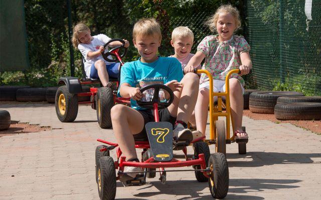 imp_family-club-harz_kart-fahren.jpg