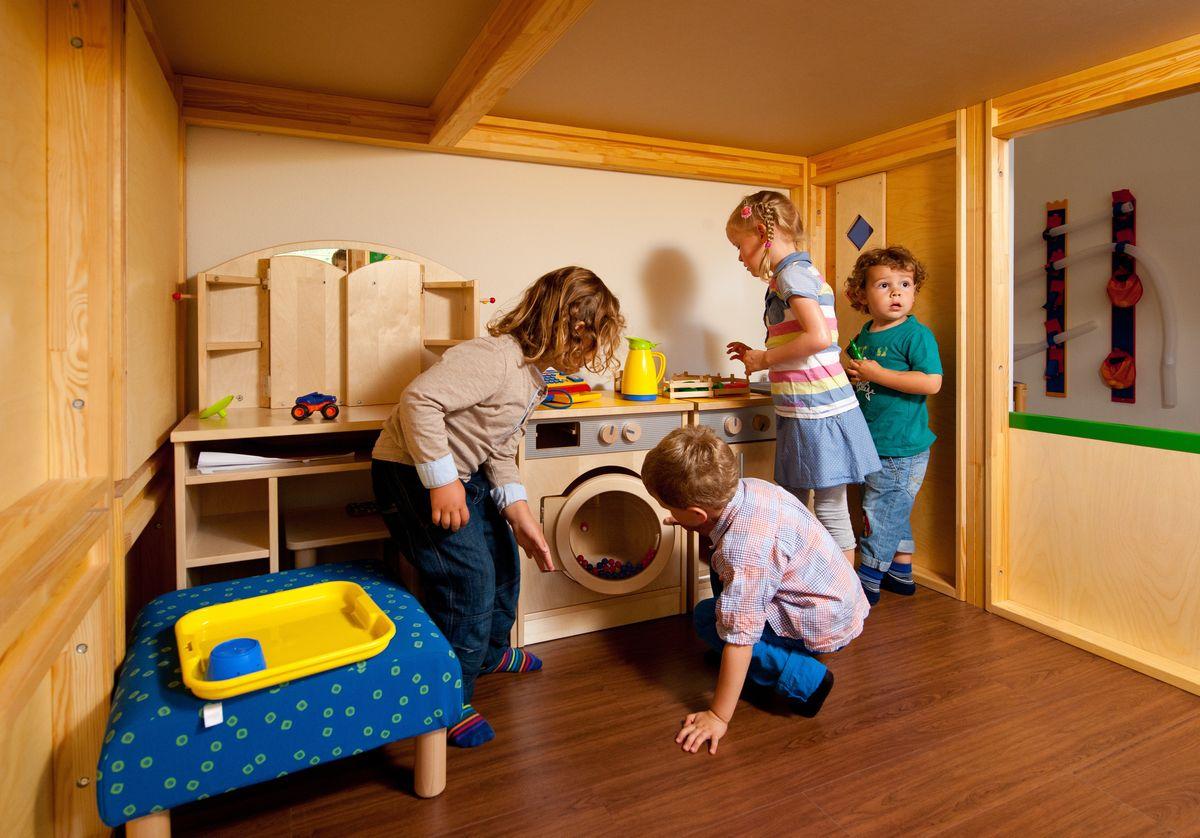 Kinderlachen und Babysachen