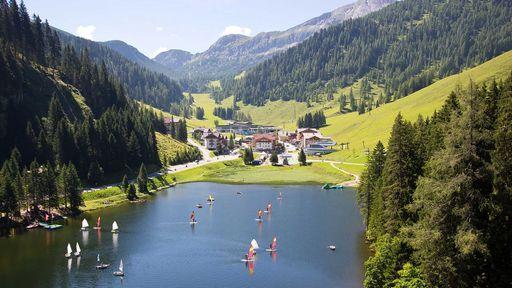 Einen wundervollen Sommer-Aktivurlaub im Familotel Zauchenseehof in Zauchensee verbringen.