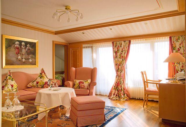 Hotel Dollenberg in Bad Peterstal–Griesbach: Suite de luxe type II (Last Minute)