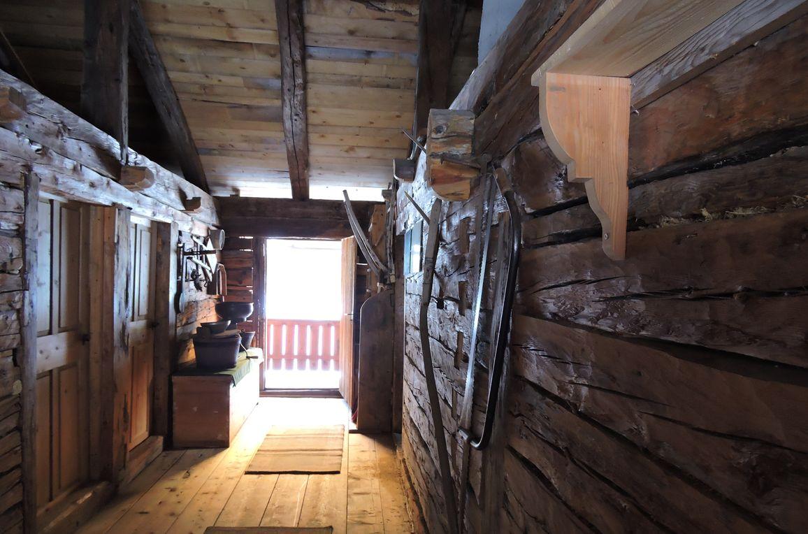 Unterkofler Almhütte, Eingang