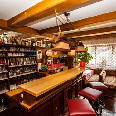 Hinterauhof, Stube und Barbereich