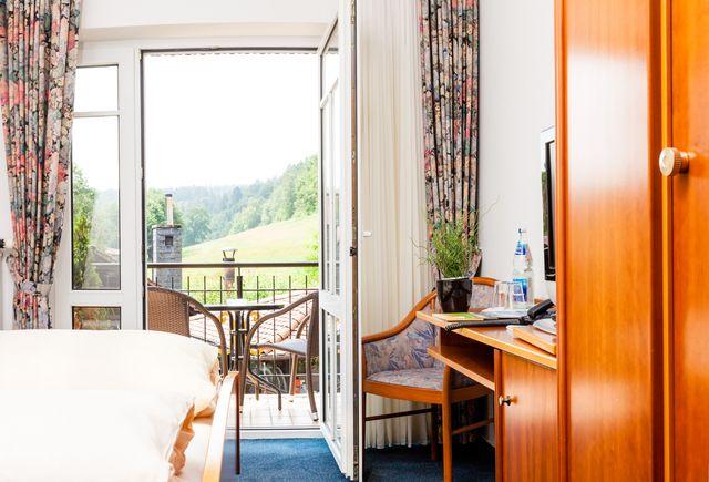 Hessenmühle in Großenlüder-Kleinlüder: Doppelzimmer mit Balkon (Last Minute)