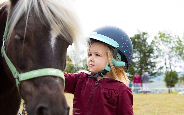 Mädchen und Pony.jpg