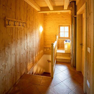 Treppenaufgang, Costetoi Hütte in San Pietro di Cadore, Südtirol, Trentino-Südtirol, Italien