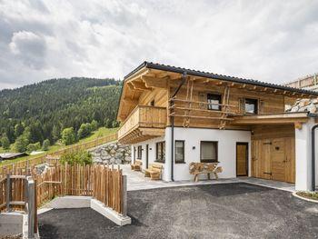 Almdorf Auszeit Fageralm Premium - Master Bedroom - Salzburg - Österreich