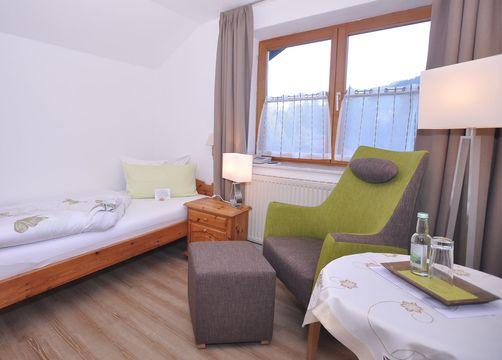 Biohotel Schratt Zimmer Einzelzimmer Alphorn (1/1) - Berghüs Schratt