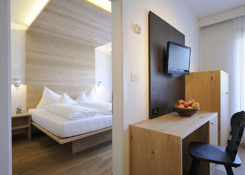 Suite Meranblick (1/3) - Bio- und Wellnesshotel Pazeider