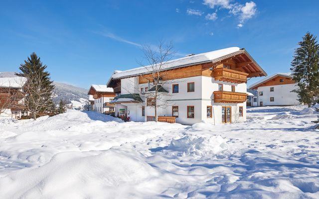 Skifahren Sportwelt Amade Familienhotel Sonnberg