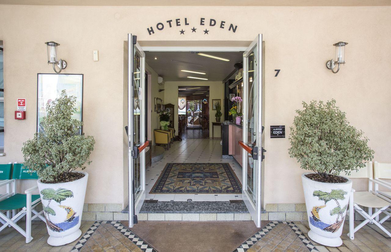 Eingang des Hotel Eden Rimini-Viserbella