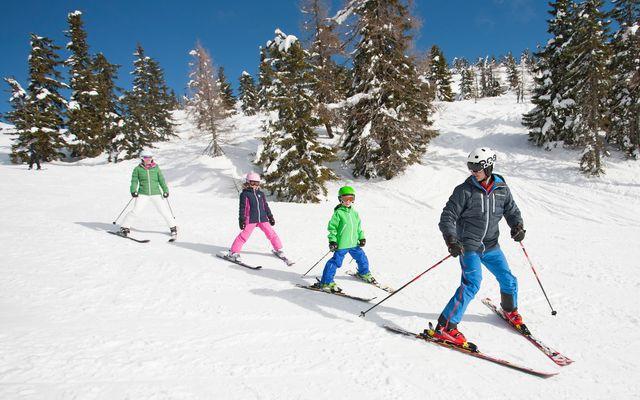 Skifahren mit der Familie im Kinderhotel Botenwirt Kleinarl