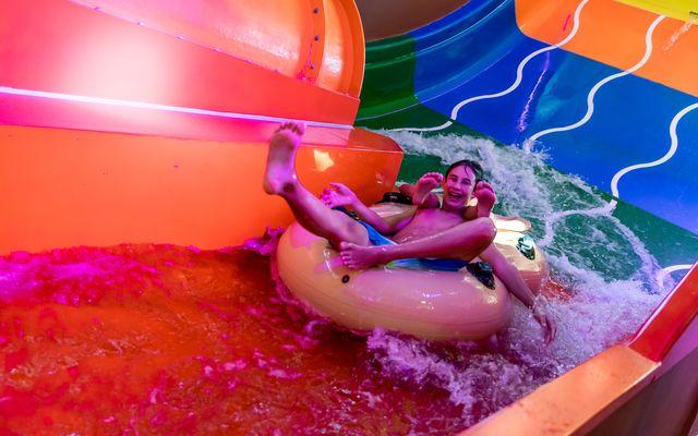 Riesenwasserrutsche in der Wassererlebniswelt