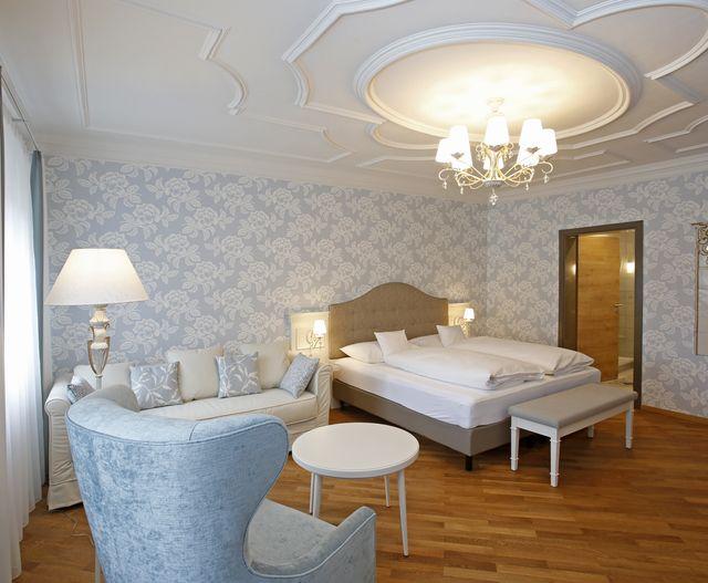 Fayencen-Suite