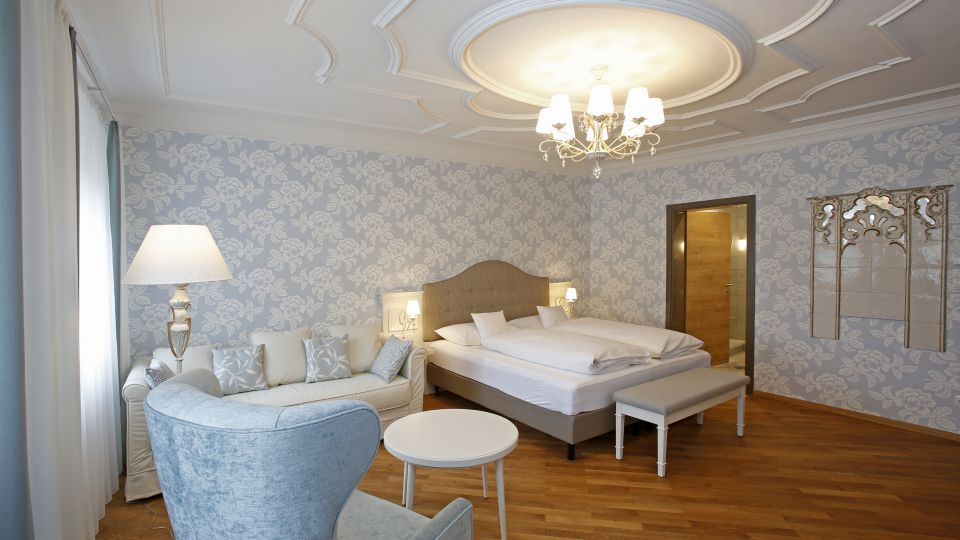 Fayence Suite