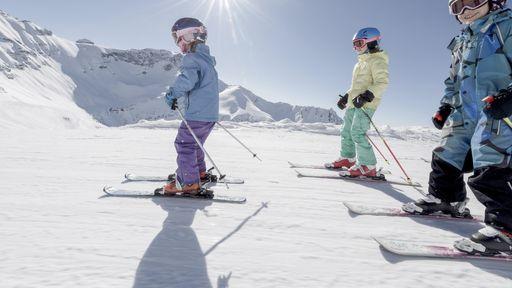 Im Winter wöchentlich begleitete Schneeschuhwanderung.