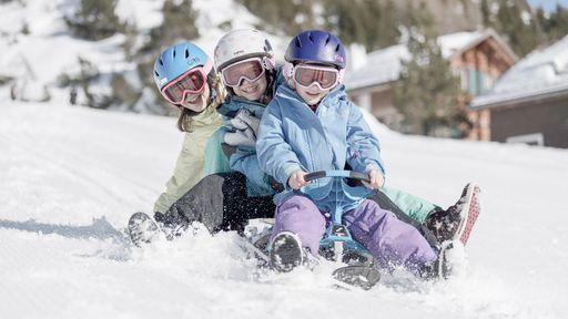Das Pistenglück liegt für Skifahrer direkt vor dem Familienhotel Gorfion im traumhaften Malbun.