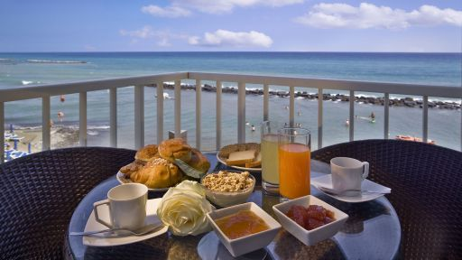 Im Familotel La Baia beginnt der Morgen mit einem leckeren Frühstück.