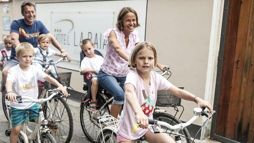 Kilometerlange Radwege für herrliche Radtouren an der frischen Luft.