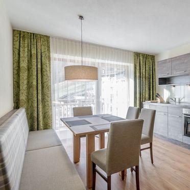 Appartement Rettenbach 1, Küche mit Essbereich