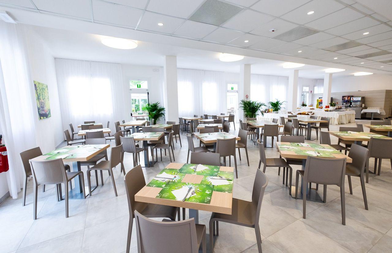 Restaurant des Green Village Hotels mit Kinderbetreuung