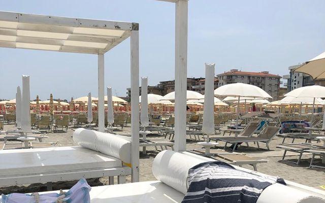 Strand des Familienhotel Color Mokambo Shore Hotel