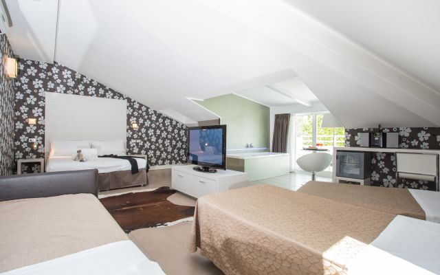 Rezeption des Familienhotel Mokambo Shore Hotel