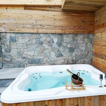 Whirlpool, Naturchalet INSToul in St. Johann im Ahrntal, Südtirol, Trentino-Südtirol, Italien