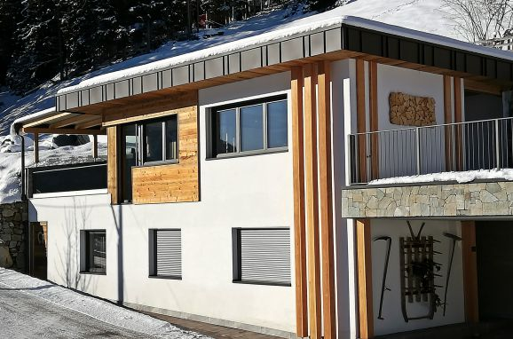 Winter, Naturchalet INSToul in St. Johann im Ahrntal, Südtirol, Trentino-Südtirol, Italien