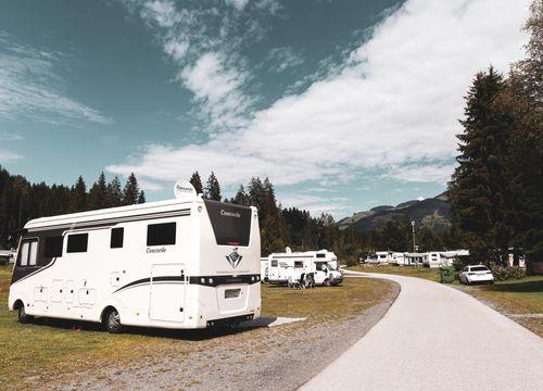 Posto auto incl. Auto con roulotte / mobile / tenda (1/1) - Bruggerhof – Camping, Restaurant, Hotel