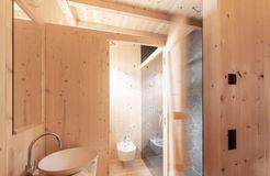 Biohotel Blaslahof: Innenbereich Bad in Holz - Blasla Hof, Gsies, Südtirol, Trentino-Südtirol, Italien