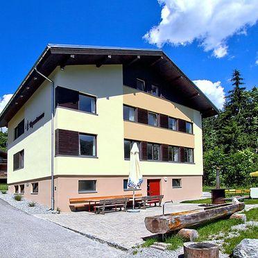 Außen Sommer 1 - Hauptbild, Ferienhaus Runnimoos am Arlberg, Laterns, Vorarlberg, Vorarlberg, Österreich