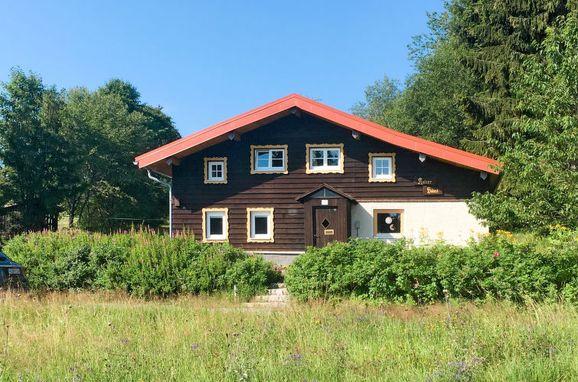Außen Sommer 1 - Hauptbild, Ferienhütte Kaiserhäusl im Bayerischen Wald, Bischofsreut, Bayerischer Wald, Bayern, Deutschland