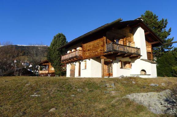 Außen Sommer 1 - Hauptbild, Chalet Chistiala Dadens, Laax, Surselva, Graubünden, Schweiz