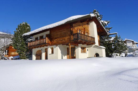 Outside Winter 25, Chalet Chistiala Dadens, Laax, Surselva, Graubünden, Switzerland