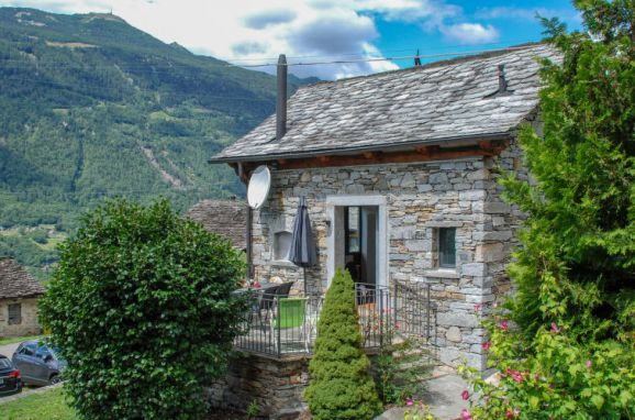 Outside Summer 1 - Main Image, Rustico Ca'di Garoi im Tessin, Malvaglia, Tessin, Ticino, Switzerland
