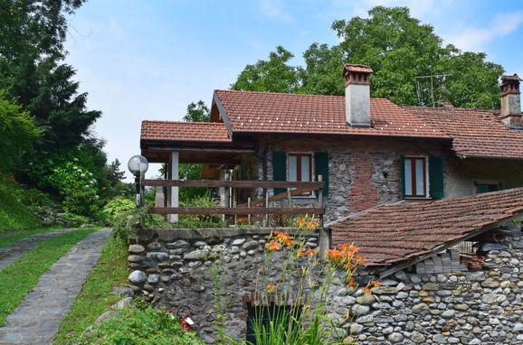 Außen Sommer 1 - Hauptbild, Rustico Casa Mulino, Castelveccana, Lago Maggiore, Lombardei, Italien