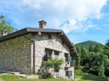 Rustico Alpe in Castelveccana - Lombardei - Italien