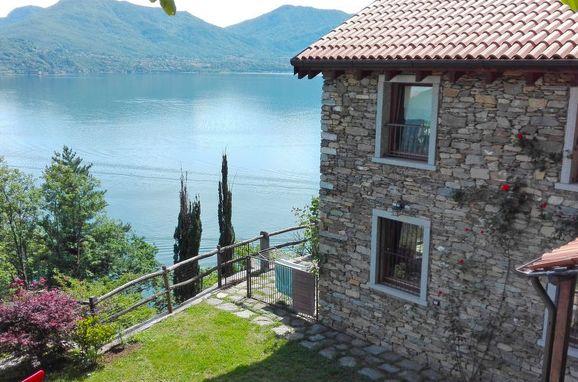 Outside Summer 1 - Main Image, Rustico Giulia, Cannero Riviera, Lago Maggiore, Piemont, Italy