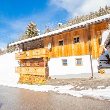 Außen Winter 41, Alm Chalet in Stumm, Stumm im Zillertal, Zillertal, Tirol, Österreich