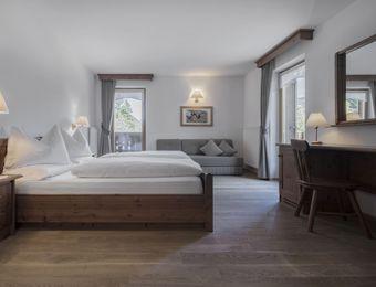 """Double Room """"De Luxe – by the garden"""" - Aqua Bad Cortina"""