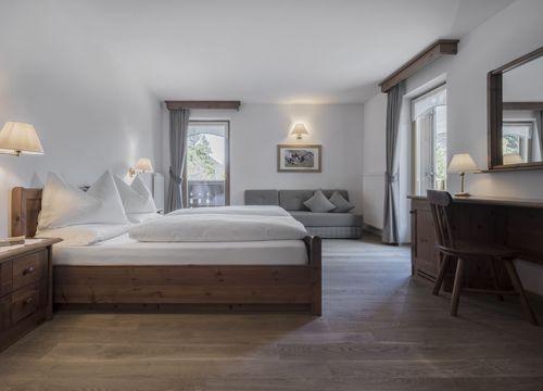 """Double Room """"De Luxe – by the garden"""" (1/1) - Aqua Bad Cortina"""
