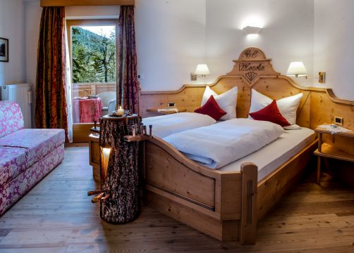 """Double Room """"Special – smell of local wood"""" (1/1) - Aqua Bad Cortina"""