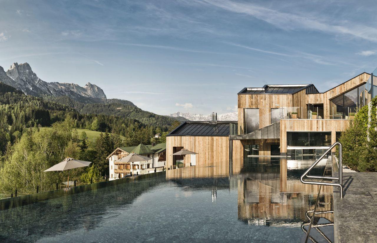 headerbild-naturhotel (1).jpg